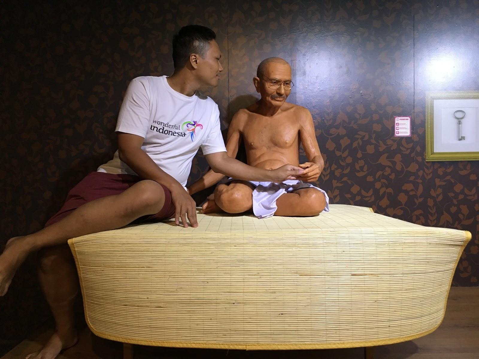 Tokoh Perdamaian Mahatma Gandhi
