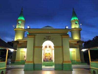 Grand Mosque Sultan Riau di Pulang Penyengat