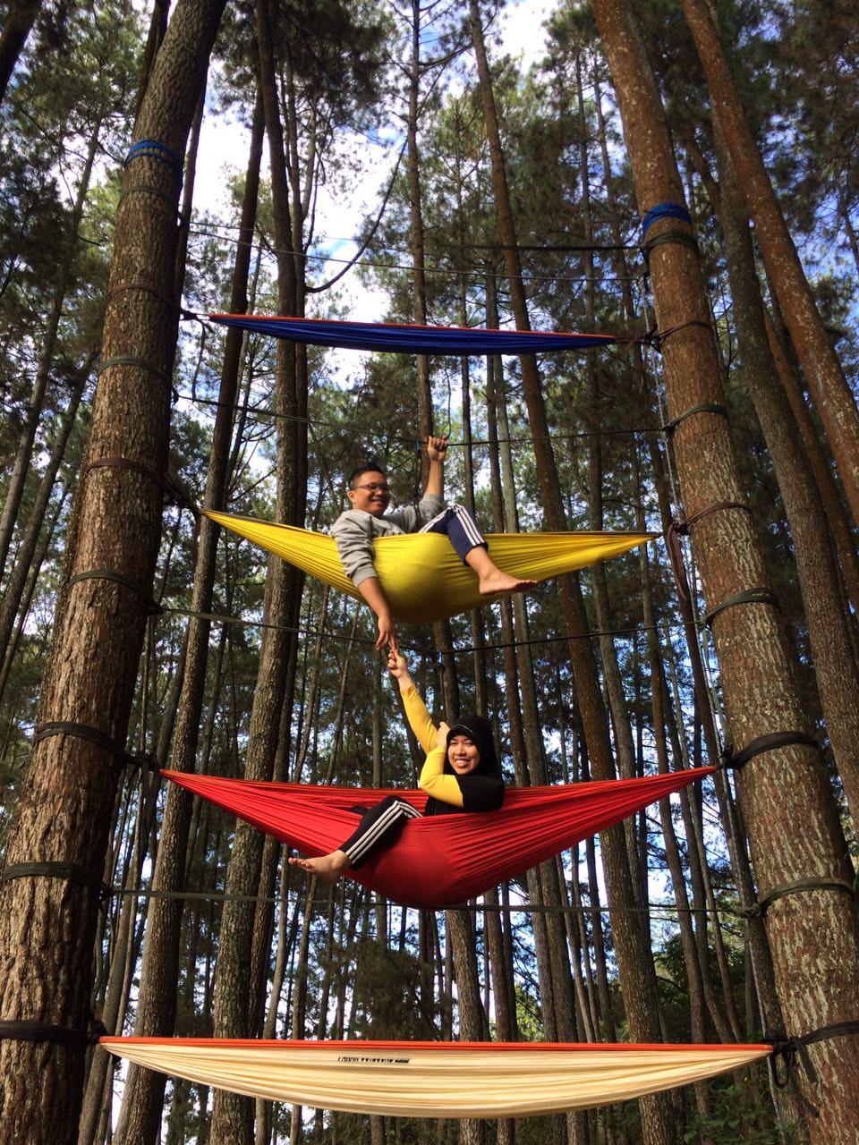 Flying Hammock di Taman Raya Juanda