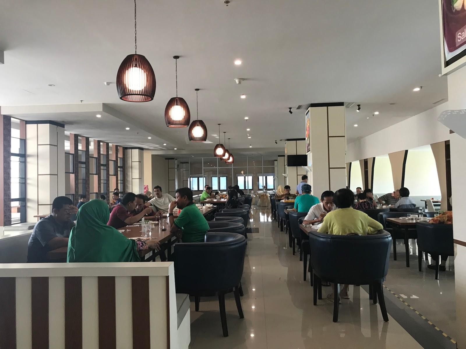Area Makan Dan Restoran CK Hotel Tanjung Pinang