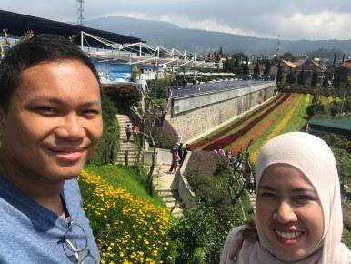 Pelangi Bunga dari Balkon Rainbow Garden Bandung