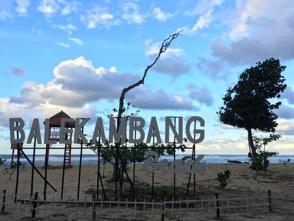 Pantai Bale Kambang di Malang