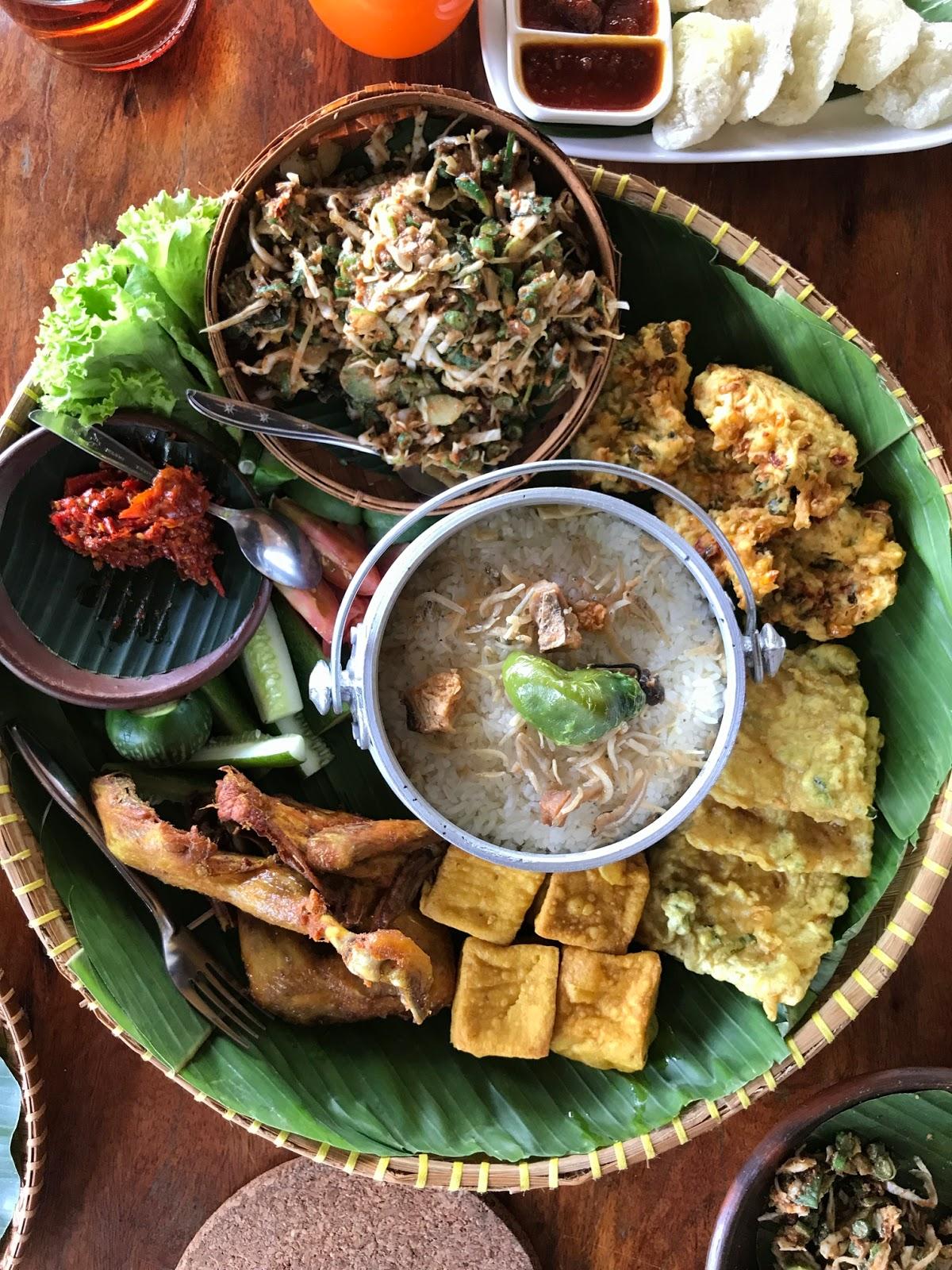 Menu Nasi Liwet di Ngopi di Kebon Bandung