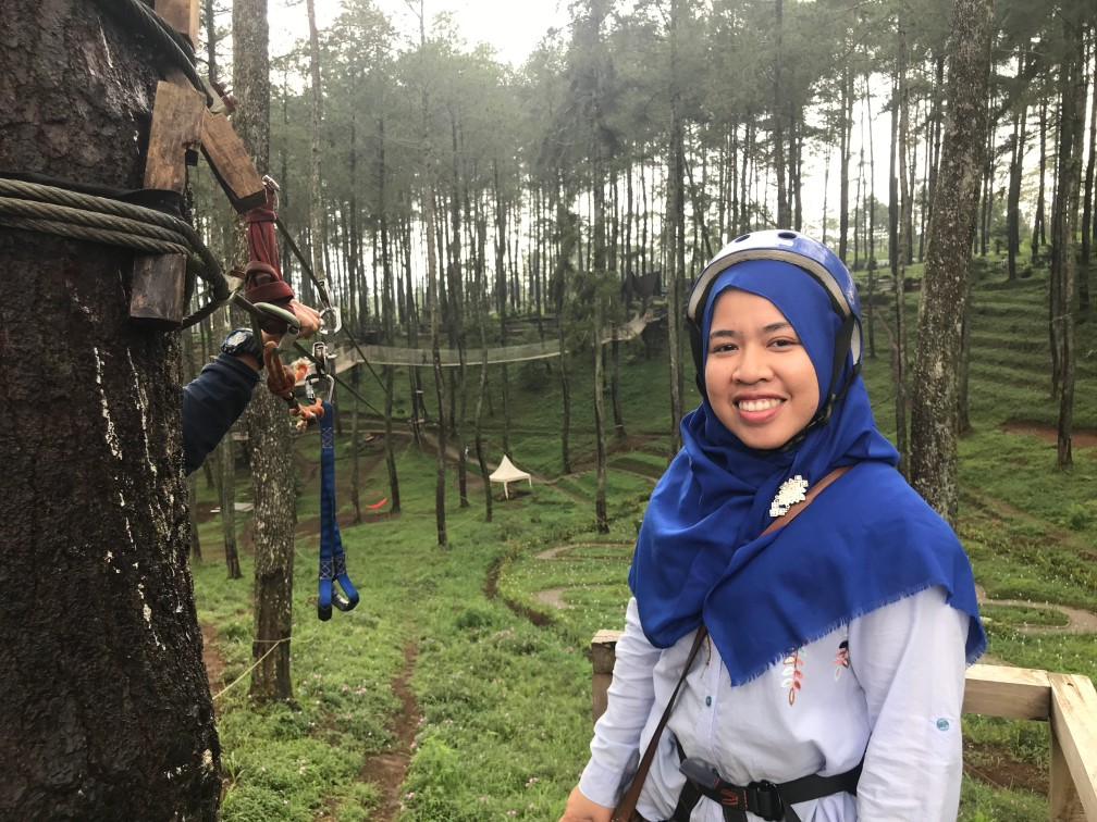 Wahana Flying Fox Di Orchid Forest Cikole Bandung