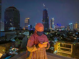 Pemandangan kota Jakarta di Langit Seduh Coffee Jakarta